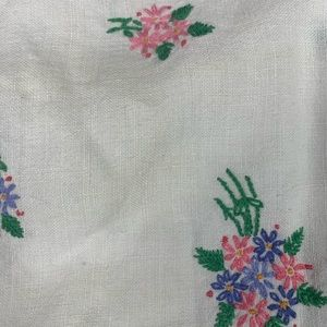 Vintage Embroidered Crochet Floral Tablecloth